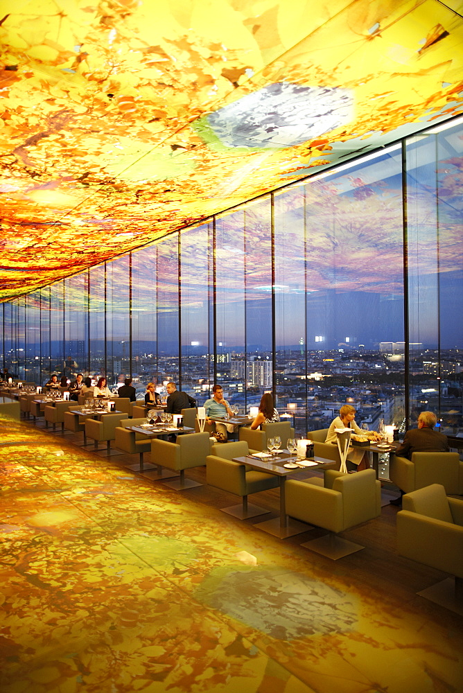 Guests at restaurant Le Loft, ceiling designed by Pippilotti Rist, Hotel Sofitel Vienna Stephansdom, architect Jean Nouvel, Vienna, Austria