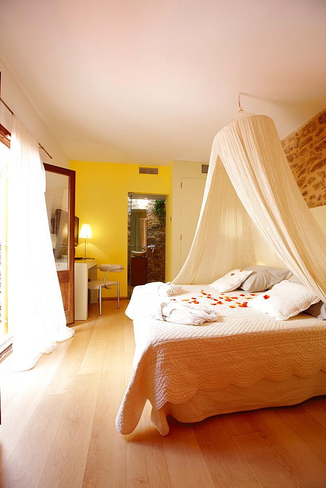 Double room L'Alguer, Design Hotel Cas Ferrer Nou Hotelet, Carrer Pou Nou 1, Alcudia, Mallorca, Balearic Islands, Spain