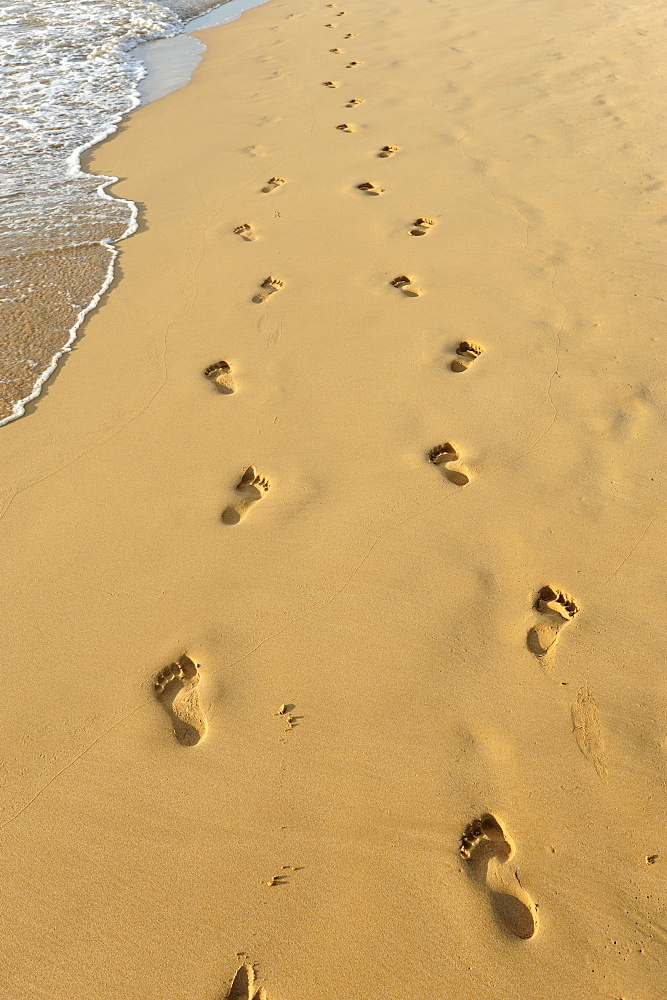 Footprints in the sand, beach at Bentota, Southern Province, Ceylon, Sri Lanka, Indian Ocean, Asia