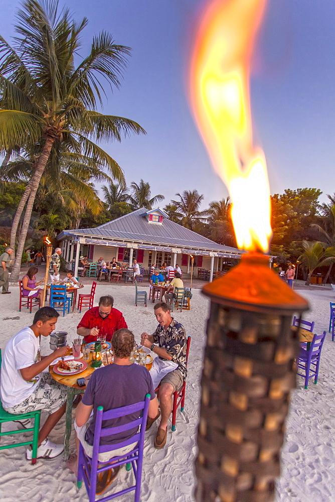 Guests having dinner in restaurant Morada Bay, Islamorada, Florida Keys, Florida, USA