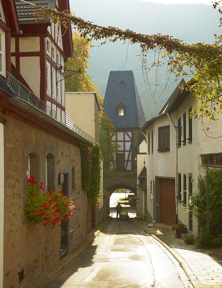 Town gate at Winningen, Mosel, Rhineland-Palatinate, Germany, Europe