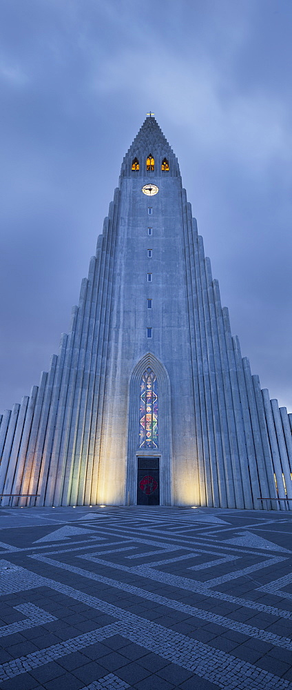 Hallgrimskirkja church in the evening licht, largest parish church in Iceland, Reykjavik, Iceland