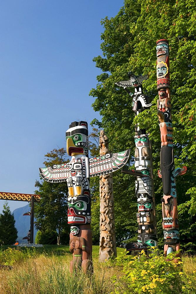 Thunderbird House Post, native totem poles, Stanley Park, Vancouver, British Columbia