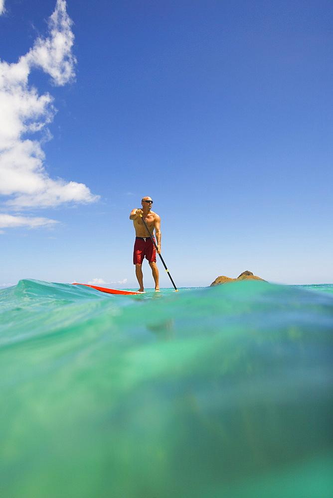 Hawaii, Oahu, Lanikai, Stand up paddling.