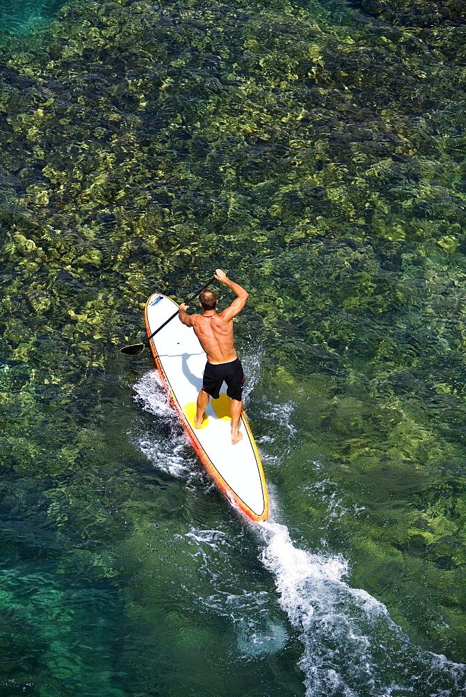 Hawaii, Maui, Olowalu, Stand up paddling.