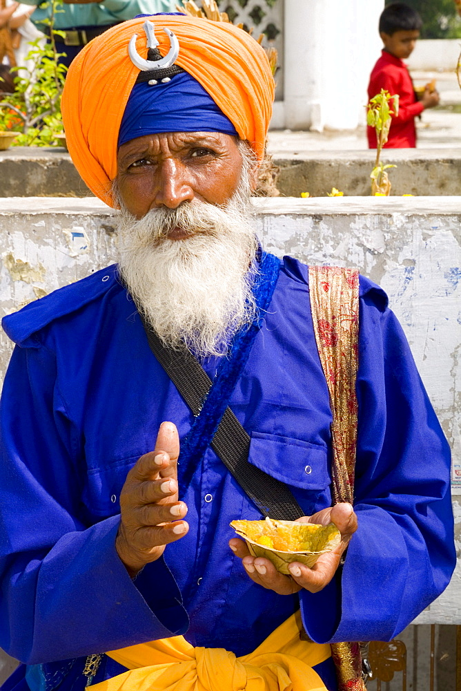 India, New Delhi, Bangla Shib Gurudwara, Sika Great Temple, colorful Sika, Hindu religious man.