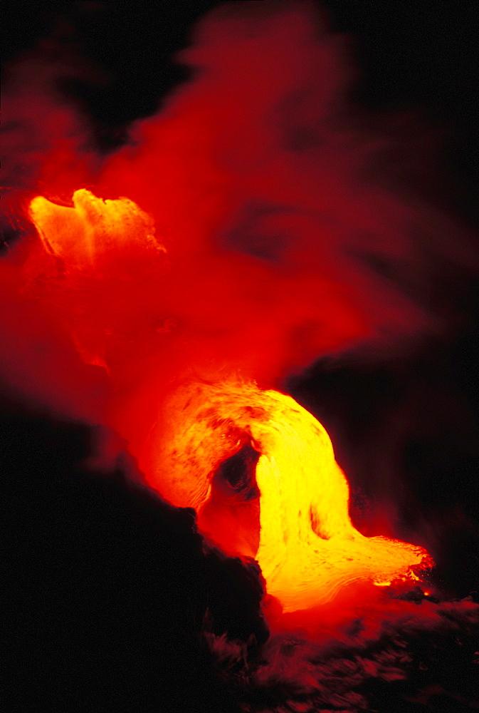 Hawaii, Big Island, Kamoamoa, Lava into sea