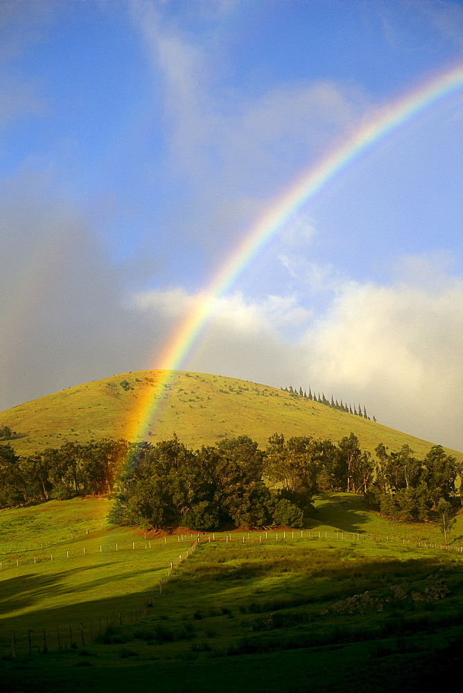 Hawaii, Big Island, Waimea, Rainbow over pastures B1448