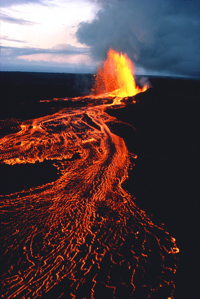 Hawaii, Big Island, Kilauea Volcano, PuuOo vent eruption at twilight, lava flows C1630