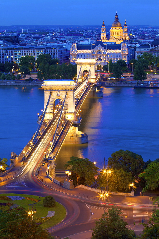 Chain Bridge, Four Seasons Hotel, Gresham Palace and St. Stephen's Basilica at dusk, UNESCO World Heritage Site, Budapest, Hungary, Europe