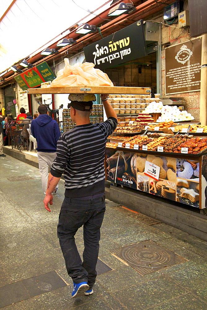 Delivering bread, Mahane Yehuda Market, Jerusalem, Israel, Middle East