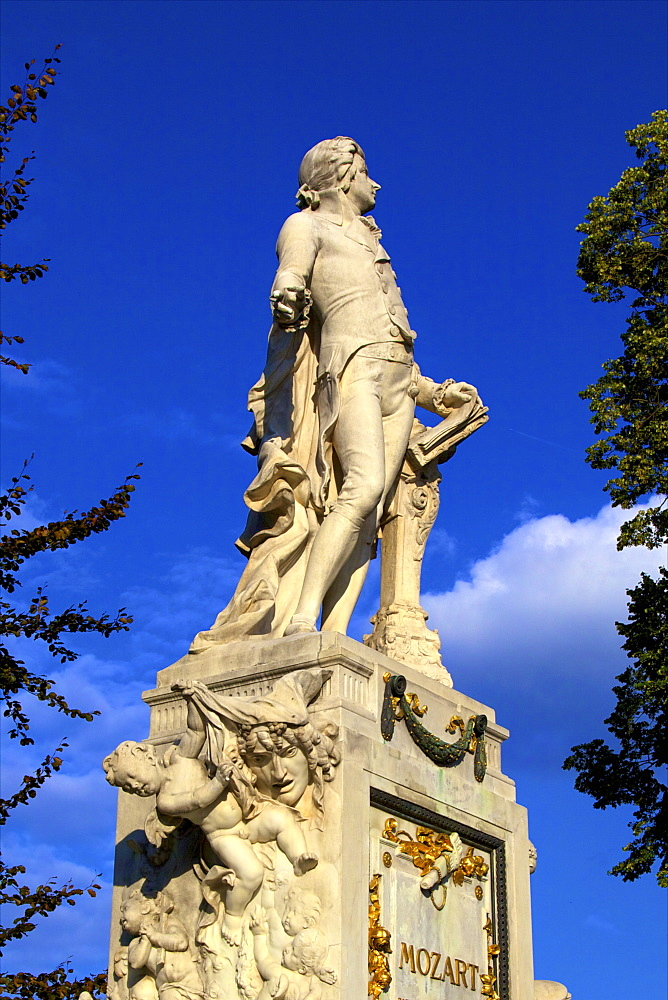 Statue of Wolfgang Amadeus Mozart, Vienna, Austria, Europe