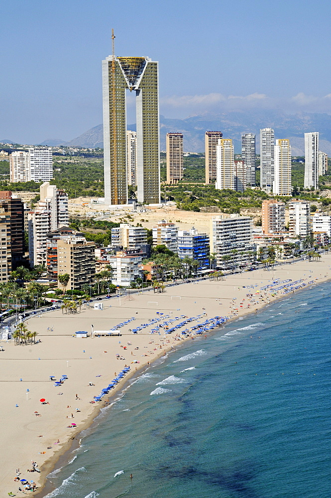 Playa de Poniente, beach, Intempo skyscraper, Benidorm Edificio Intempo, Benidorm, Province of Alicante, Spain, Europe