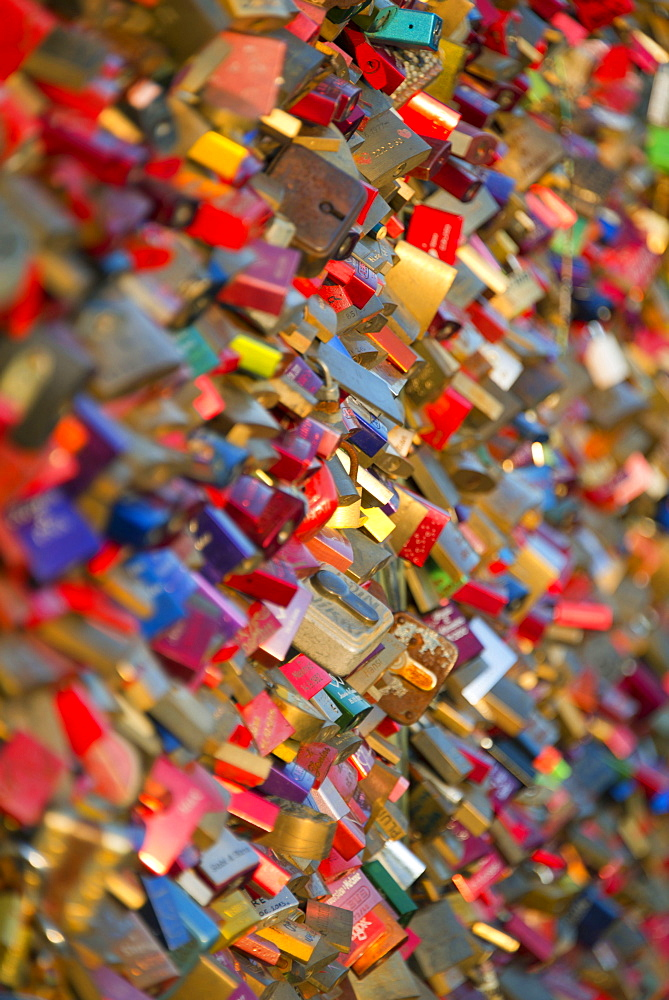 love locks, Hohenzollern bridge, Cologne, North Rhine-Westphalia, Germany / Köln, Hohenzollernbrücke