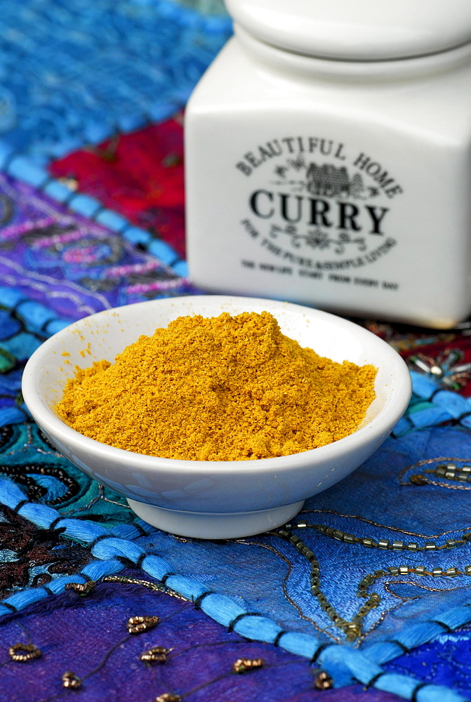 Curry powder in bowl