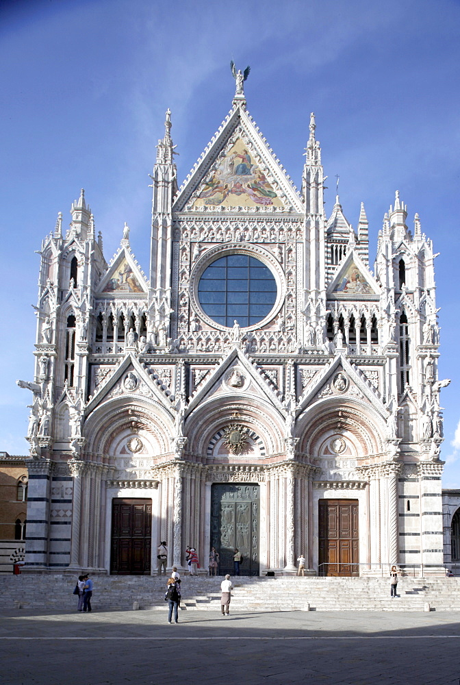 Main facade of the Cathedral of Siena, Siena, UNESCO World Heritage Site, Tuscany, Italy, Europe