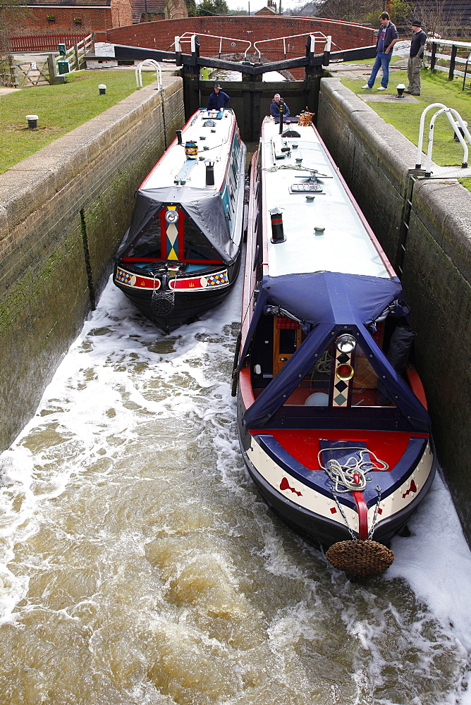 Narrow boats in lock, Northamptonshire, England, United Kingdom, Europe