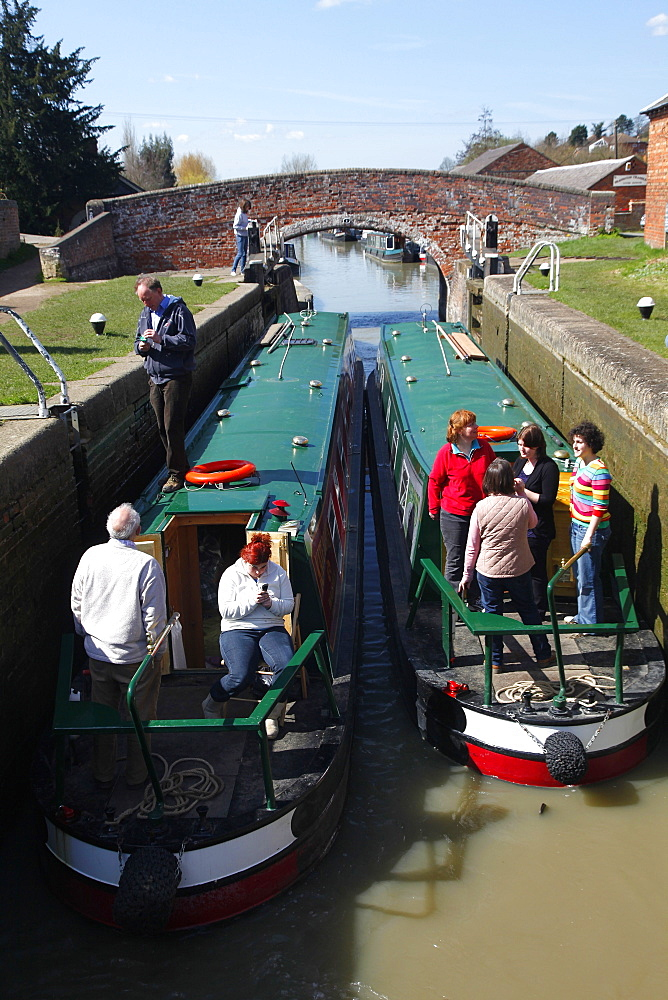 Narrow boat in lock, Northamptonshire, England, United Kingdom, Europe