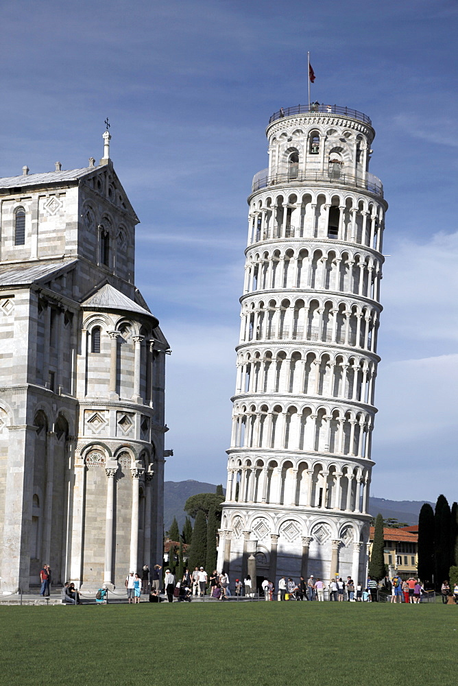 St Mary's Cathedral and Leaning Tower, UNESCO World Heritage Site, Pisa, Tuscany, Italy, Europe