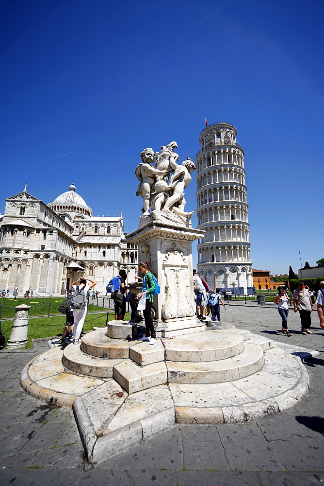 Statue of Angels, St. Mary's Cathedral and Leaning Tower, UNESCO World Heritage Site, Pisa, Tuscany, Italy, Europe
