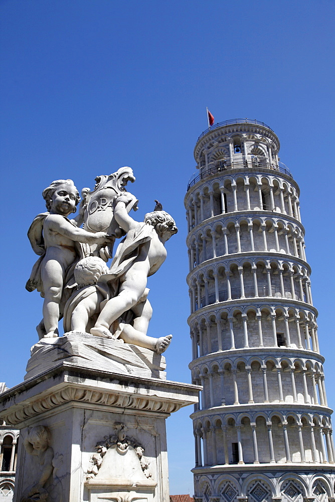 Statue of Angels and Leaning Tower, UNESCO World Heritage Site, Pisa, Tuscany, Italy, Europe