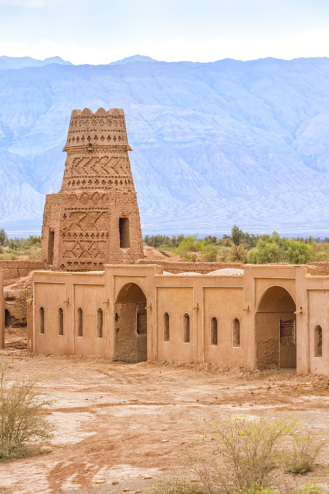 Ruins of Shafiabad caravanserai, Kerman Province, Iran, Middle East