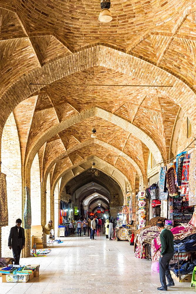 Old Vakil Bazaar, Meydan-e Gandj-e Ali Khan Square, Kerman, Kerman Province, Iran, Middle East - 1131-1423