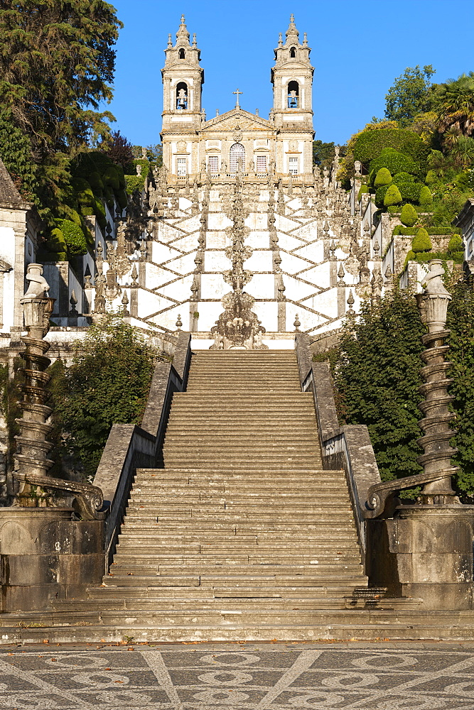 Santuario do Bom Jesus do Monte (Good Jesus of the Mount Sanctuary), Church and staircase, UNESCO World Heritage Site, Tenoes, Braga, Minho, Portugal, Europe