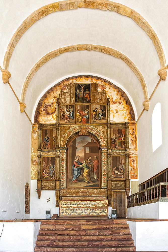 Interior of the Manueline Church da Misericordia, Main Altar, Silves, Algarve, Portugal, Europe