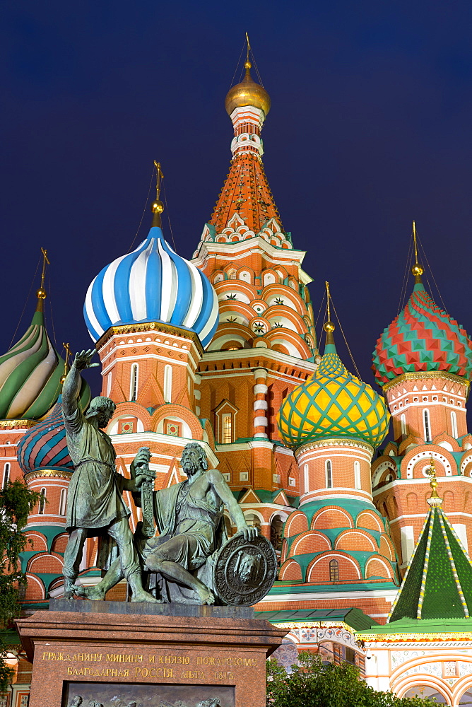 Saint Basil's Cathedral and the statue of Kuzma Minin and Dmitry Posharsky lit up at night, Moscow, Russian Federation