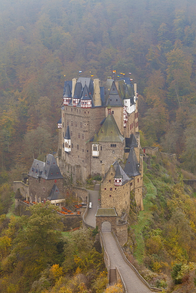 Eltz Castle in autumn, Rheinland-Pfalz, Germany, Europe
