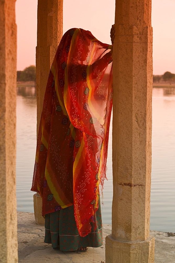 Woman in traditional dress, Jaisalmer, Rajasthan, India, Asia