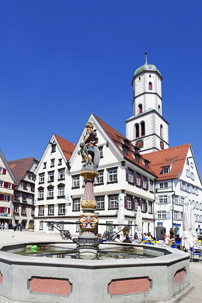 St. Martin church and fountain, market square, Biberach an der Riss, Upper Swabia, Baden Wurttemberg, Germany, Europe