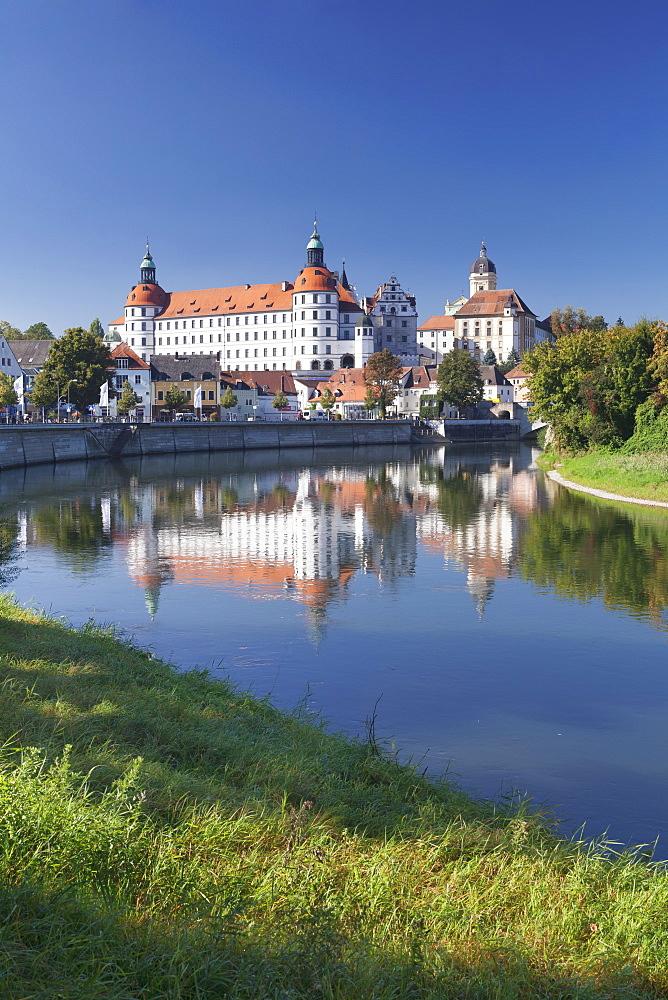Donaukai quai, Neuburg Residenzschloss Castle, Neuburg an der Donau, Bavaria, Germany