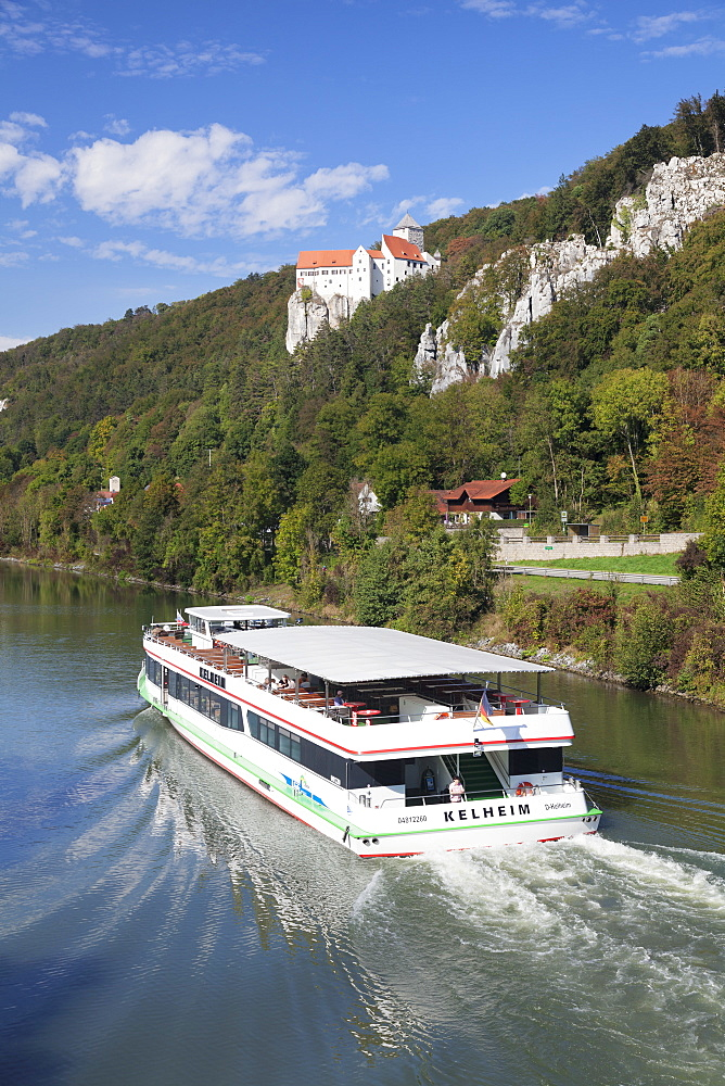 Excursion boat, Prunn Castle, Riedenburg, nature park, Altmuhltal Valley, Bavaria, Germany, Europe
