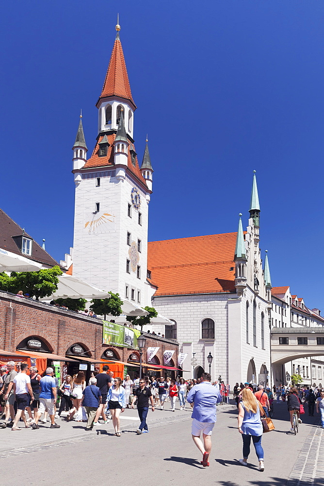 Old Town Hall (Altes Rathaus) at Viktualienmarkt, Munich, Bavaria, Germany, Europe