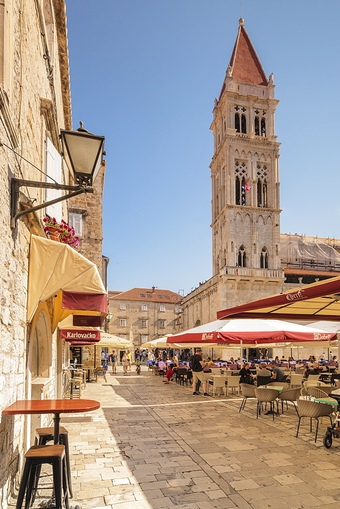 Restaurants and Cafes at Main Square, St. Laurentius Cathedral, Trogir, UNESCO World Heritage Site, Dalmatia, Croatia, Europe