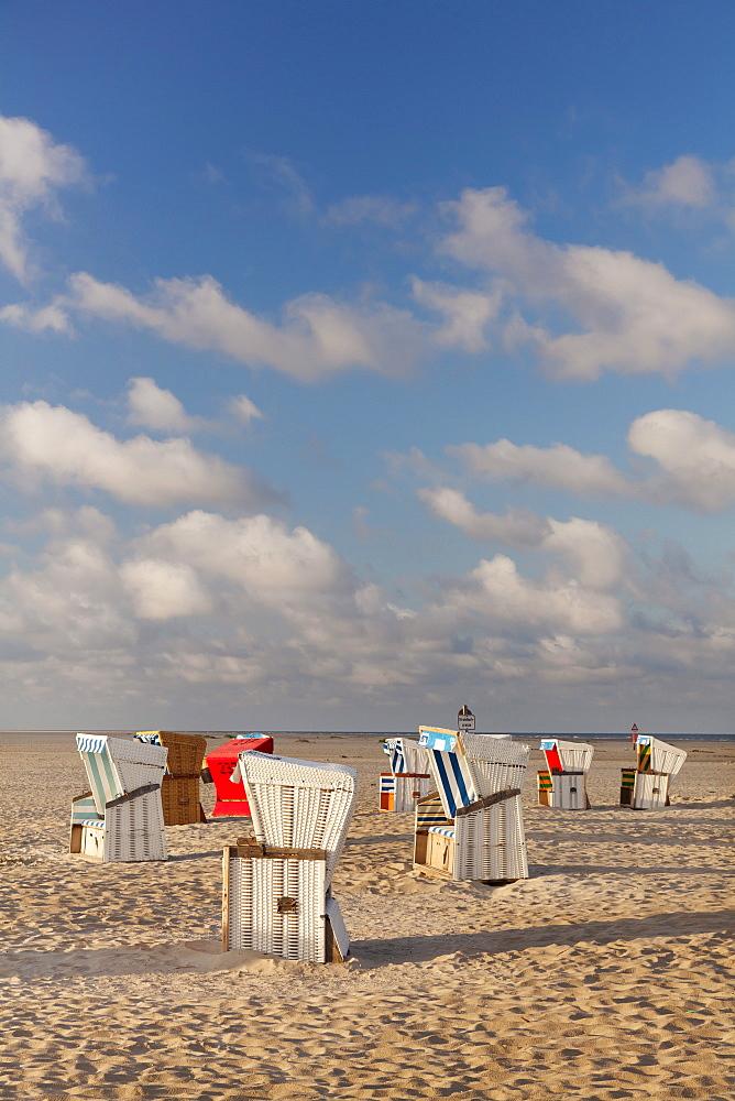 Beach chairs on the beach of Sankt Peter Ording, Eiderstedt Peninsula, Nordfriesland, Schleswig Holstein, Germany, Europe