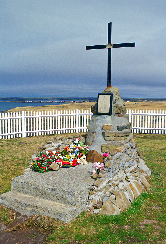 2 Para Memorial cross at Goose Green, Falkland Islands