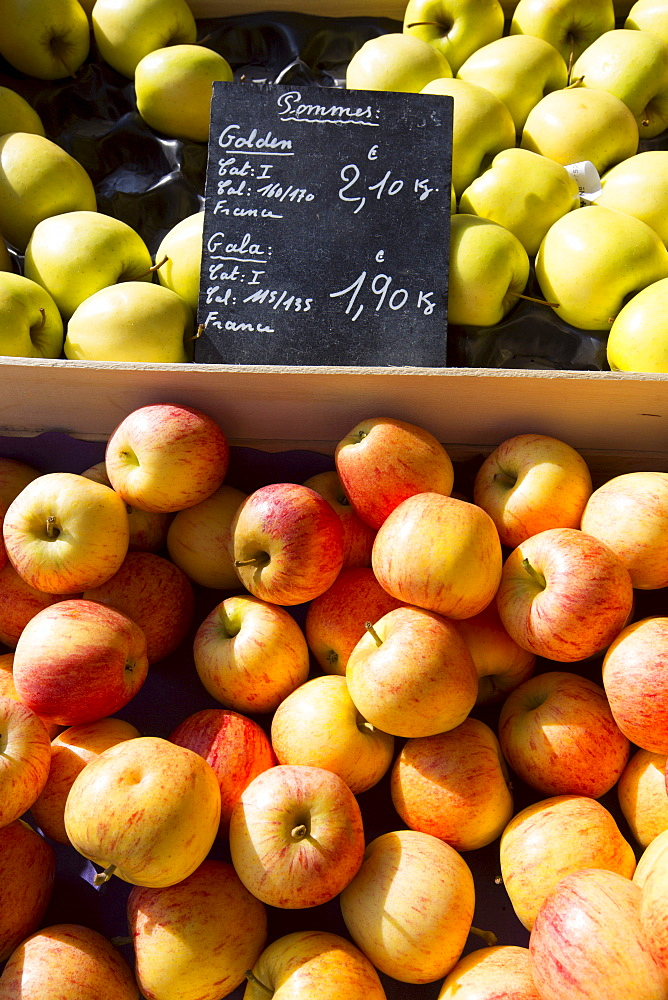 Apples, Pommes Golden and Gala, for sale at food market in Normandy, France