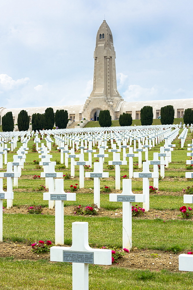 Cemetery of Douaumont and the ossuary, Ossuaire de Douaumont, at Fleury-devant-Douaumont near Verdun, Meuse, Lorraine, France, Europe
