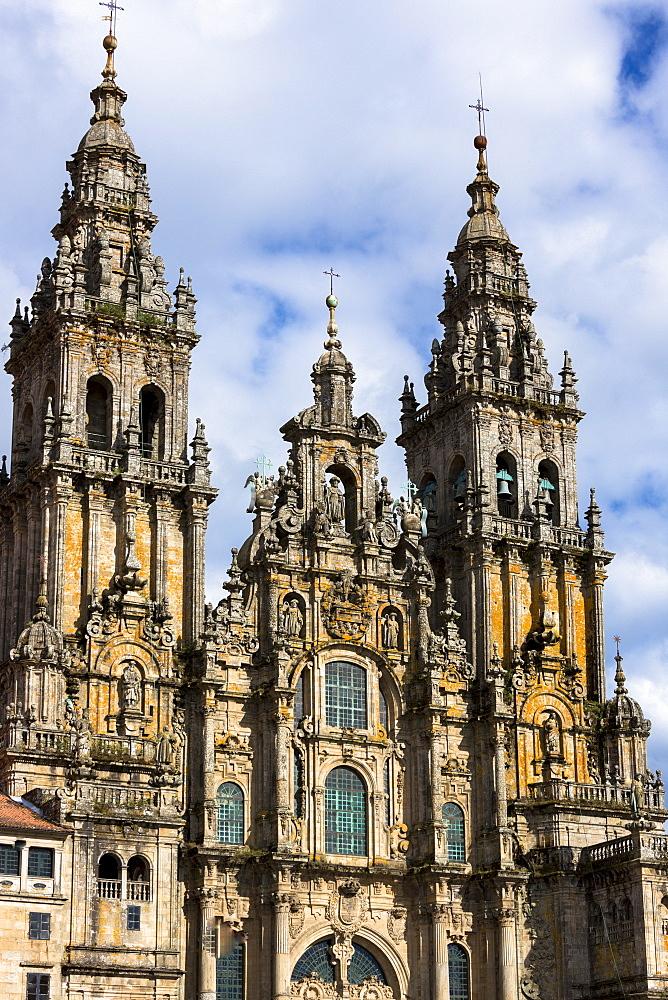 Facade do Obradoiro of the Baroque style 11th century Roman Catholic Cathedral, Catedral de Santiago de Compostela, UNESCO World Heritage Site, Santiago de Compostela, Galicia, Spain, Europe
