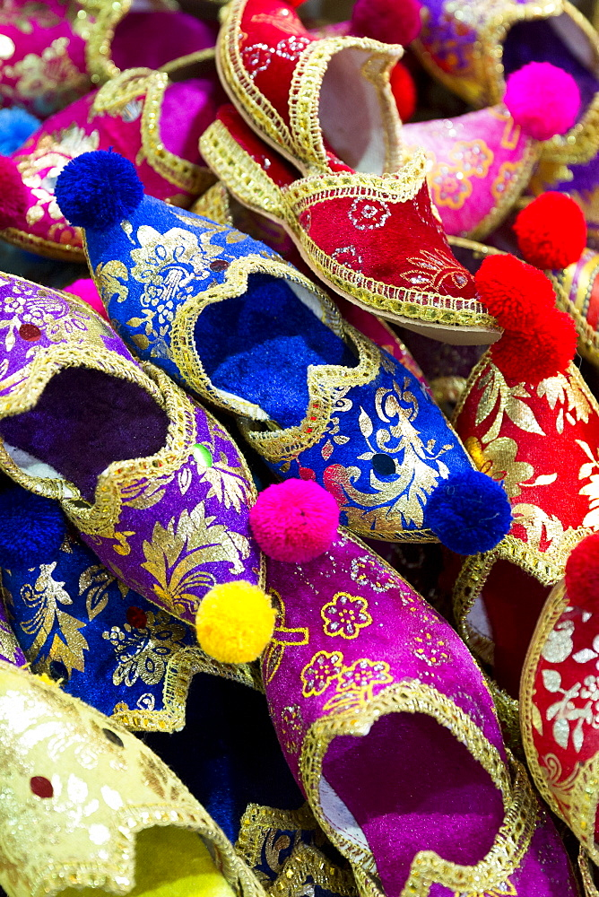 Traditional Turkish silk slippers ornate and embroidered in the Misir Carsisi Egyptian Bazaar market in Istanbul, Turkey, Europe, Eurasia