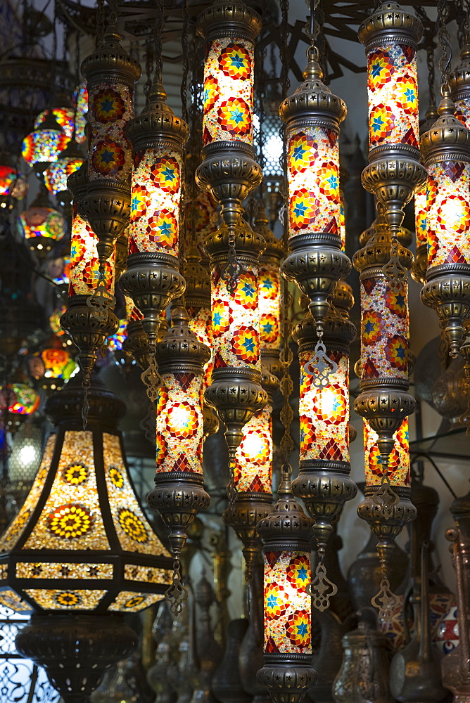 Traditional Turkish ornate lanterns in The Grand Bazaar (Great Bazaar) (Kapali Carsi), Beyazi, Istanbul, Turkey, Europe - 1161-8614