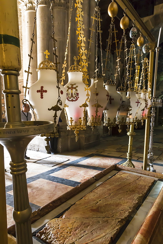 Stone of Unction, Church of the Holy Sepulchre, Old City, Jerusalem, UNESCO World Heritage Site, Israel, Middle East