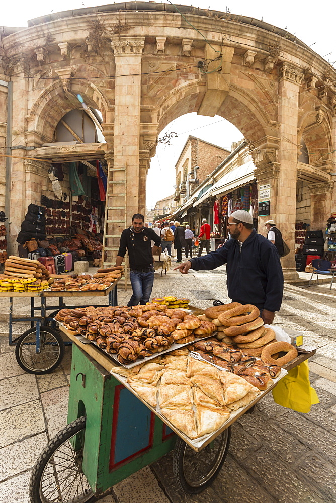 Bread sellers with carts, Aftimos Souk, Mauristan, Christian Quarter, Old City, Jerusalem, UNESCO World Heritage Site, Israel, Middle East
