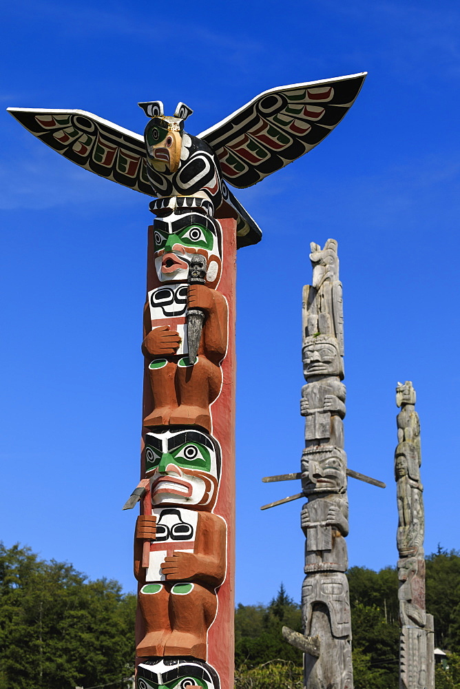First Nation Totem Poles, Original Namgis Burial Grounds, Alert Bay, Cormorant Island, Inside Passage, British Columbia, Canada, North America