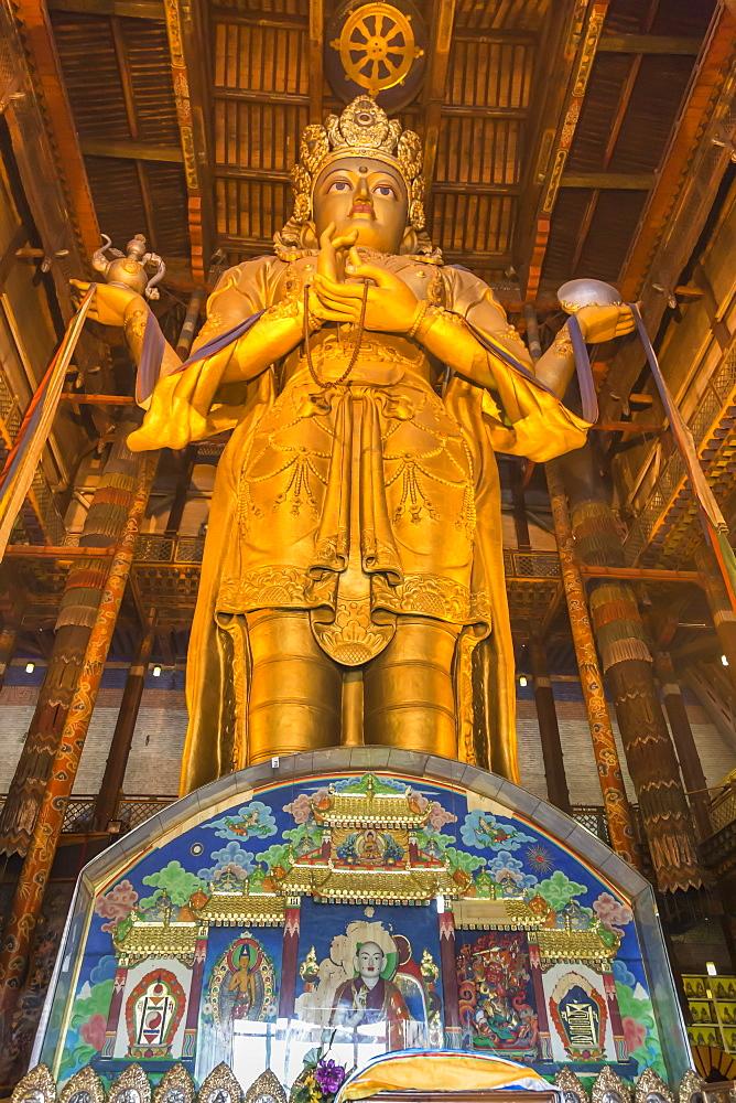 Huge golden Buddha statue, Migjid Janraisig Sum, Gandan Khiid, Buddhist Monastery, Ulaanbaatar (Ulan Bator), Mongolia, Central Asia, Asia