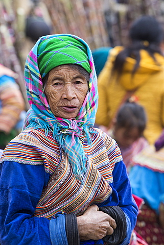 Woman from Flower Hmong ethnic group, Can Cau market, Bac Ha area, Sapa region, Lao Cai Province, Vietnam, Indochina, Southeast Asia, Asia