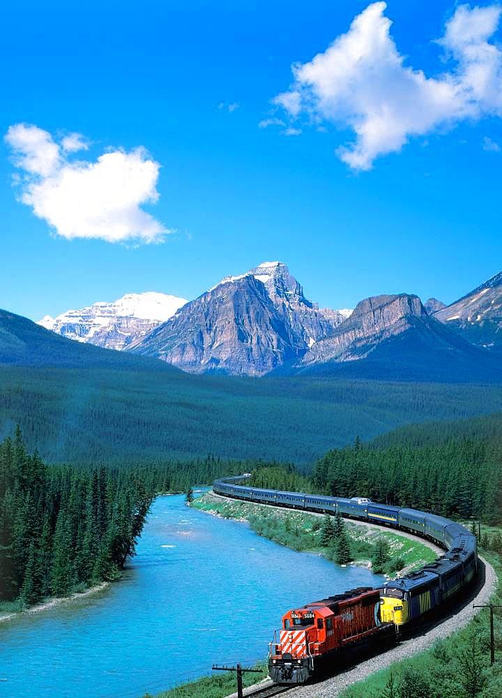 VIA Train, Canada
